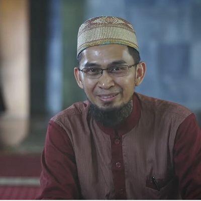 Nabi Jarang Berdoa Setelah Shalat - Ustadz Adi Hidayat, Lc, MA